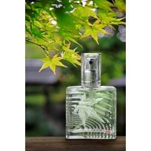 http://www.fragrances-parfums.fr/461-852-thickbox/l-eau-de-ryokuei.jpg